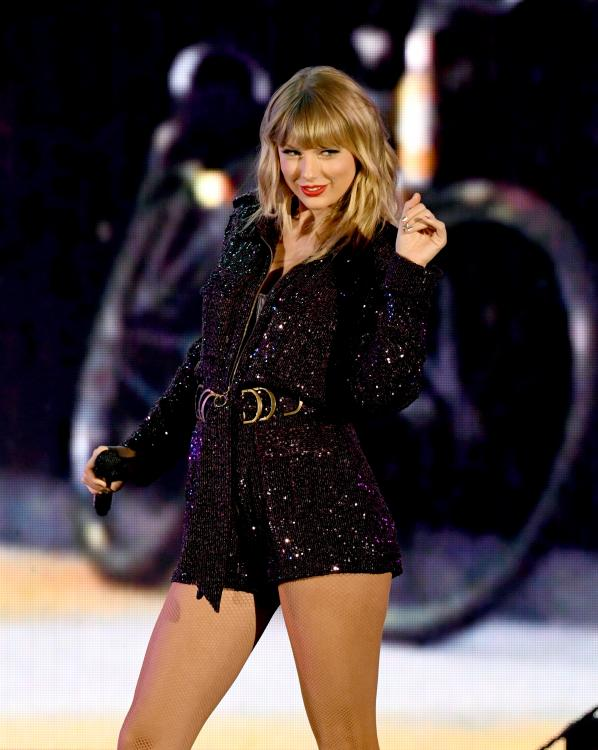 Taylor Swift took to Twitter to reveal that Scooter Braun and Scott Borchetta had banned her from performing her old singles at the AMAs 2019.