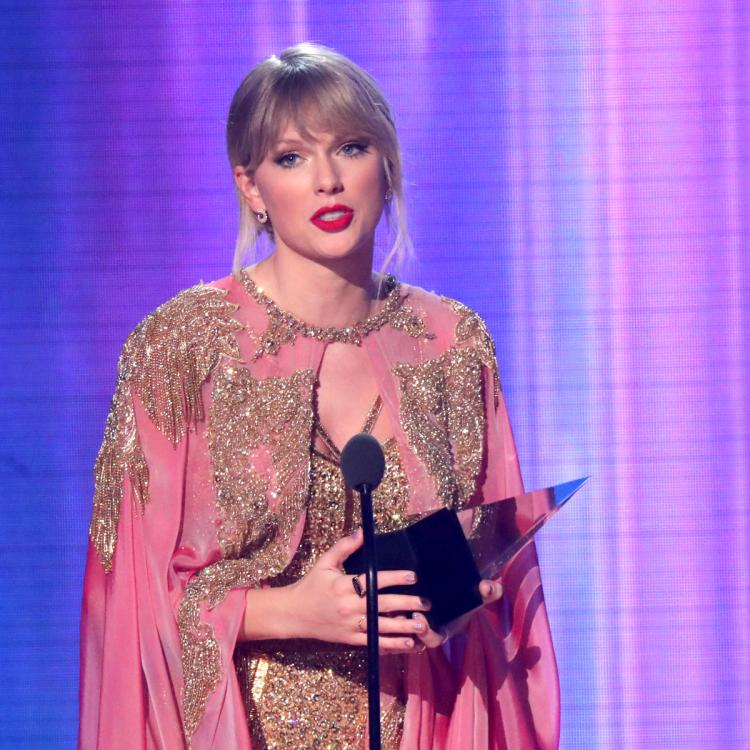Taylor Swift on fighting for music rights: Somebody who is younger & signing a record deal can learn from that