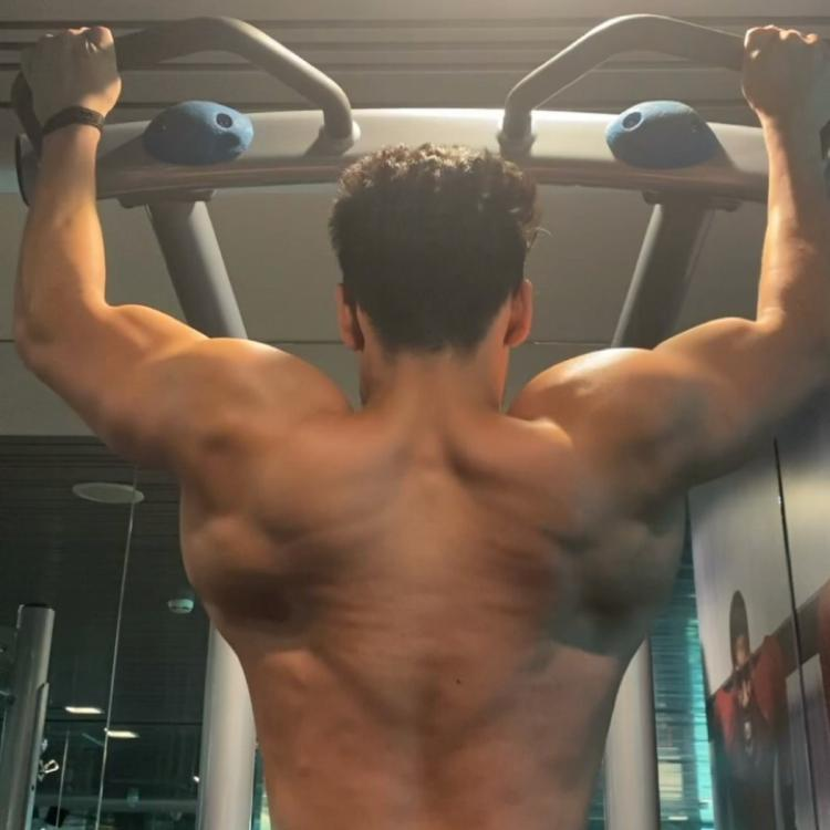 Baaghi 3 actor Tiger Shroff sweating it out in the gym will drive away your Monday blues; Check it out