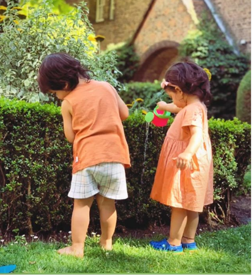Taimur Ali Khan and Inaaya Naumi Kemmu's picture twinning in orange is winning the internet; check it out