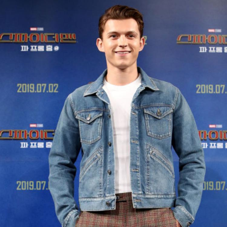 Tom Holland expresses his wish to work with Dwayne Johnson; should they do a superhero movie together?
