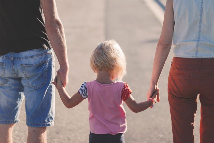 THESE are the toxic parenting habits that parents need to avoid
