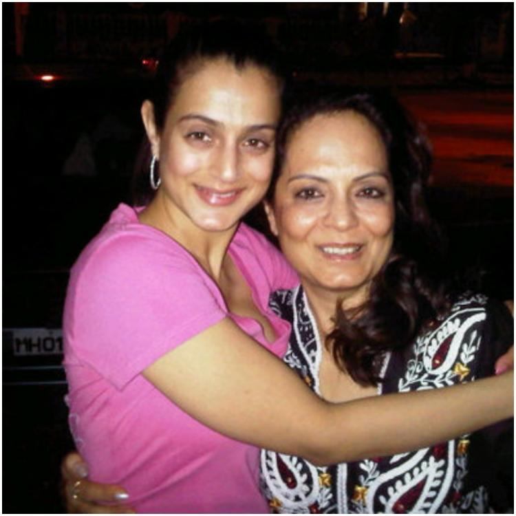 Tuesday Trivia: Did you know Ameesha Patel's mom Asha also played a part in her debut film Kaho Naa Pyaar Hai?