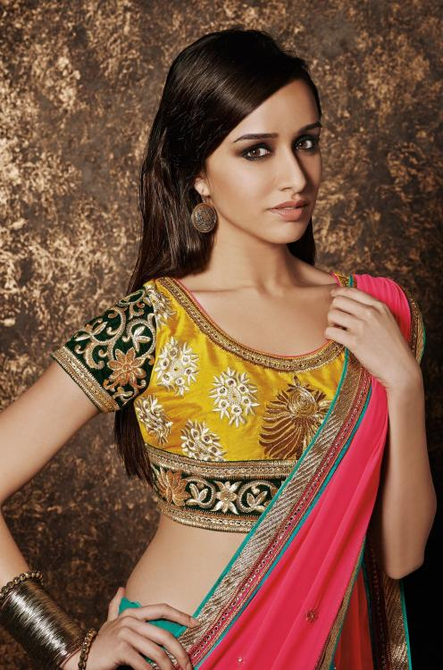 Shraddha Kapoor Looks Lovely In This Bridal Wear  Pinkvilla-8803