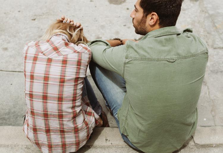 Relationship Advice: THESE are the signs that you are in an unhealthy relationship