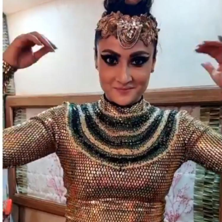 Nach Baliye 9: Urvashi Dholakia shows us how to let the eyes do the talking in this video; check it out