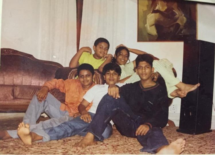 Allu Arjun, Ram Charan and Varun Tej's throwback moment with their cousins sets major sibling goals