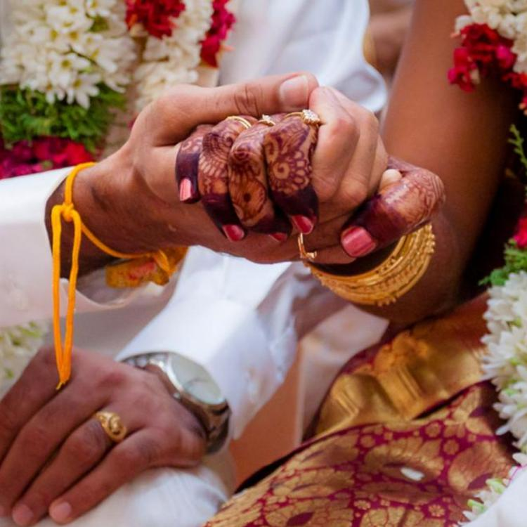 Mumbai boy ties the knot with his Delhi based girlfriend on a video call amid the Coronavirus lockdown