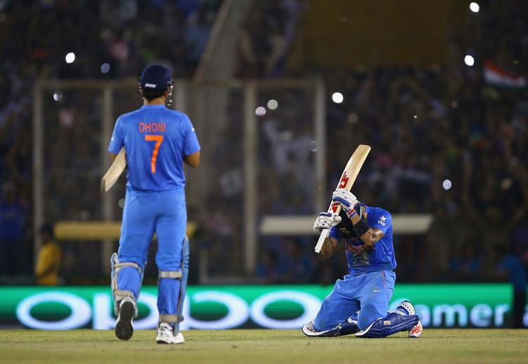 MS Dhoni to announce retirement today? Virat Kohli's tweet sparks speculations among fans