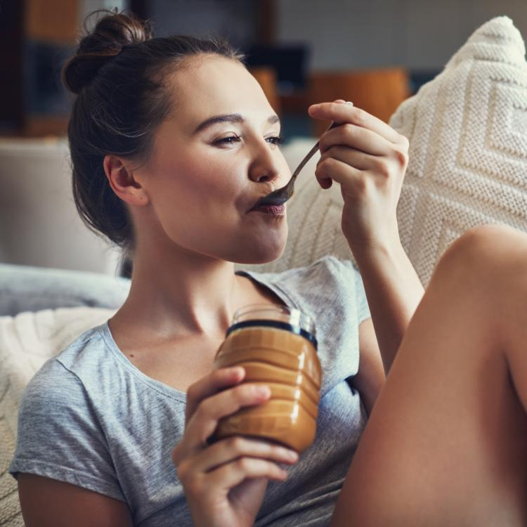 can you lose weight by eating only peanut butter