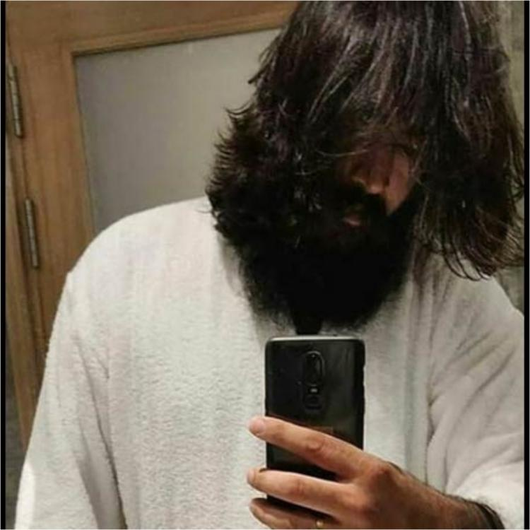 KGF Chapter 2: Yash's new LEAKED look goes viral on social media
