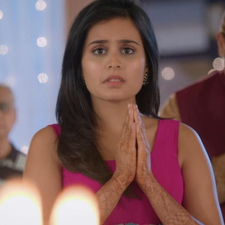 Yeh Rishtey Hain Pyaar Ke Written Update, February 12, 2020: Meenakshi apologizes to Mishti