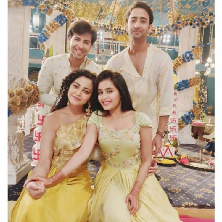 Yeh Rishtey Hain Pyaar Ke: Shaheer Sheikh, Rhea Sharma, Kaveri & Ritvik don shades of yellow in a happy photo