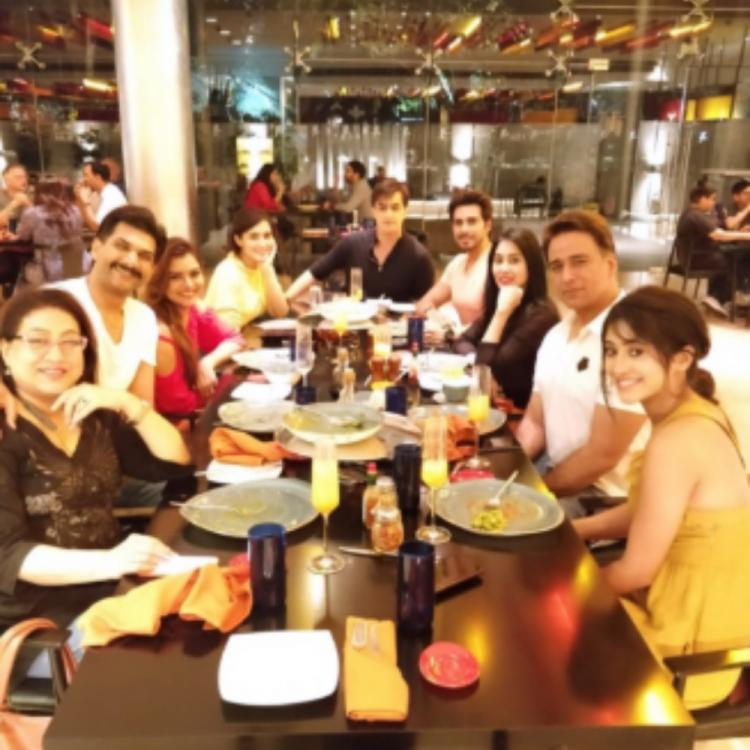 Yeh Rishta Kya Kehlata Hai actors Mohsin Khan & Shivangi Joshi join others for a dinner outing; View PIC