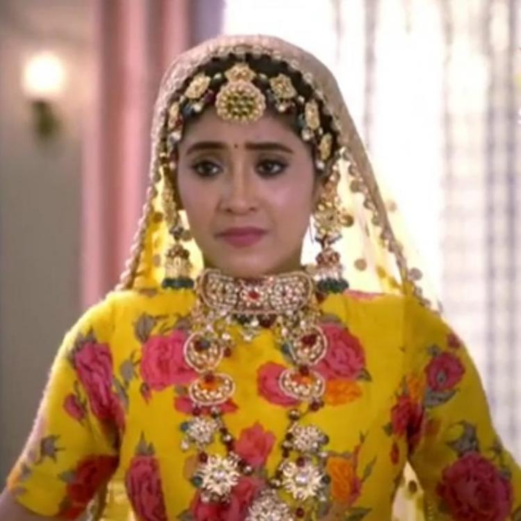 Yeh Rishta Kya Kehlata Hai April 8, 2019 Written Update: Suhasini suspects Gayatri