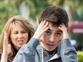 People,parenting tips,motherhood,Conflict with teenager