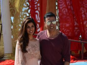 Photos,akshay kumar,Nimrat Kaur,Airlift