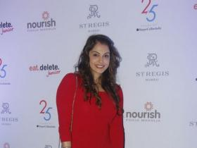 Photos,isha koppikar