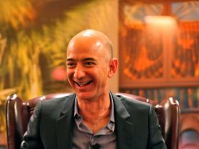 News,Jeff Bezos,MacKenzie,lauren sanchez