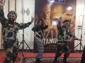Kangana Ranaut,Shahid Kapoor,saif ali khan,Exclusives,Rangoon,Rangoon release,BSF Camp,Rangoon trailer,Rangoon movie,Rangoon songs,Rangoon release date,BSF Jawans,Rangoon promotion