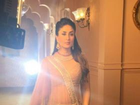 Photos,Kareena Kapoor Khan,Kareena Kapoor Khan movies,Kareena Kapoor Khan pregnant,Kareena Kapoor Khan ad shoot,Kareena Kapoor Khan malabar