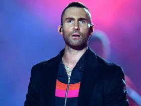 Adam Levine,Maroon 5,Hollywood,Hollywood news