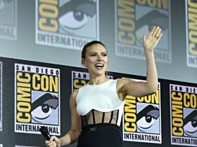 angelina jolie,Salma Hayek,Scarlett Johansson,Black Widow,Hollywood,The Eternals,Comic-Con 2019