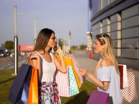 People,tips and tricks,black friday 2019,avoid overspending