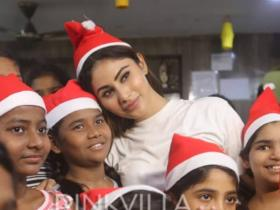 News,mouni roy,Christmas,Christmas 2019