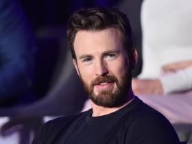 Chris Evans,Hollywood,Hollywood news,Knives Out