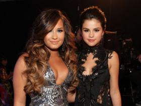 Selena Gomez,Demi Lovato,Miley Cyrus,Hollywood