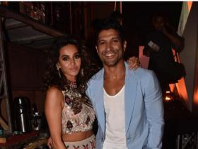 Photos,farhan akhtar,Shibani Dandekar,The Sky is Pink