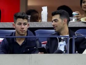 justin bieber,Nick Jonas,Joe Jonas,Hollywood