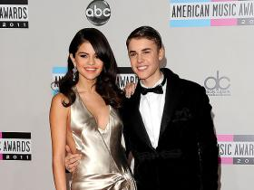 justin bieber,Selena Gomez,Hollywood