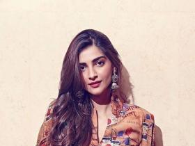 Celebrity Style,sonam kapoor,Sonam Kapoor fashion,sonam kapoor upcoming movies