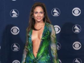 Celebrity Style,Jennifer Lopez,jennifer lopez versace dress,fashion nova