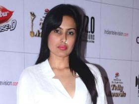 Discussion,Kamya Punjabi