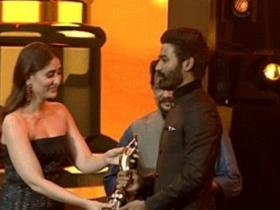News,Dhanush,Kareena Kapoor Khan,Vada Chennai,Vanitha Film Awards 2019