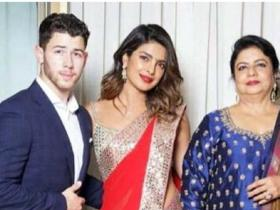 Photos,Priyanka Chopra,Madhu Chopra,Nick Jonas