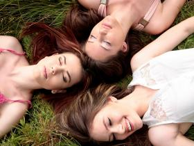relationship advice,Love & Relationships,friendship advice,female friends