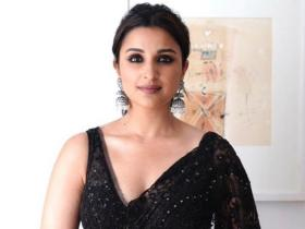 Celebrity Style,parineeti chopra,diwali,parineeti chopra style