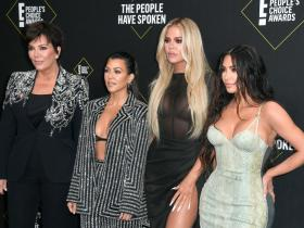 Celebrity Style,kim kardashian,Khloe Kardashian,peoples choice awards