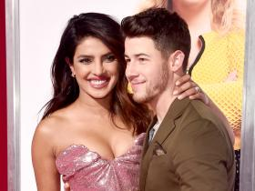 Priyanka Chopra,Christmas,Nick Jonas,Hollywood