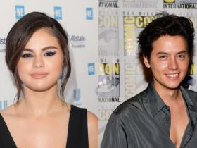 Selena Gomez,Hollywood,Cole Sprouse