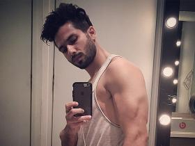 Photos,Shahid Kapoor,gym,Haider