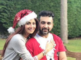 Photos,shilpa shetty,raj kundra,Christmas,Merry Christmas,Xmas,Shilpa Shetty and Raj Kundra