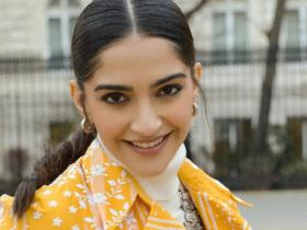 News,Sonam Kapoor,Rhea Kapoor,bollywood celebrity