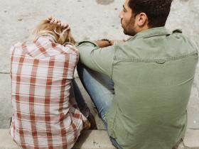 relationship advice,Love & Relationships,Unhealthy relationship,signs of dominating partner
