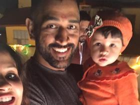 Photos,Diwali,MS Dhoni,Sakshi Dhoni,ms dhoni daughter,ziva,Ziva pictures,Diwali Party 2016