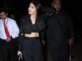 Anushka Sharma dons an all black look as she gets snapped at the airport